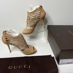 GUCCI Old Lace Saddle Soft Caged Nude Heels